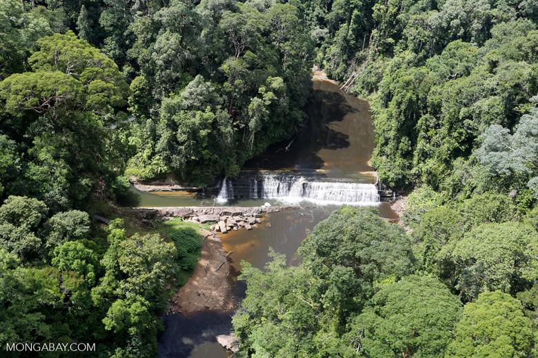 Waterfall in Imbak Canyon -- sabah_aerial_1919