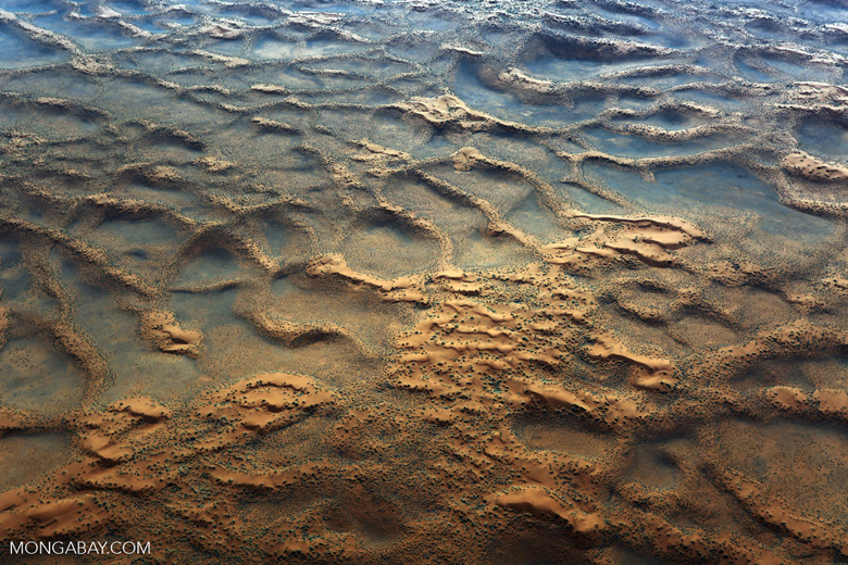 Desert sand scape at dusk in Namibia (photo)