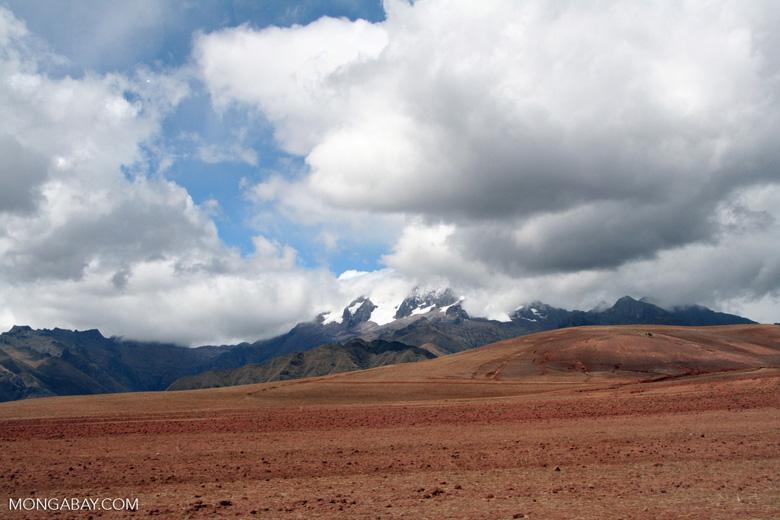 Peruvian glaciers near the Urubamba valley