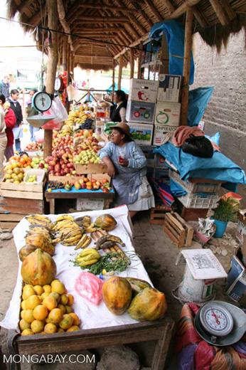 Fruit market in Ollantaytambo