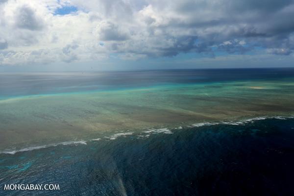 Great Barrier Reef off Australia [australia_great_barrier_reef_0325]