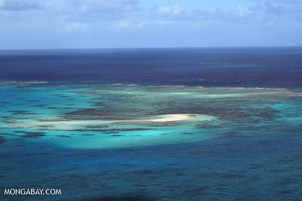 Great Barrier Reef off Australia [australia_great_barrier_reef_0402]