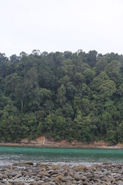 Channel between Sapi and Pulau Gaya [sabah_sapi_island_0029]