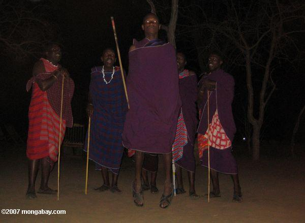 Adumu, a traditional Maasai dance -- tz_elf_0482