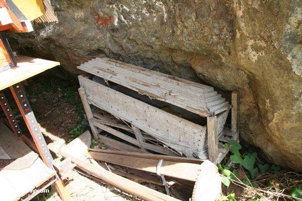 Wooden coffin at Lemo (Toraja Land (Torajaland), Sulawesi)