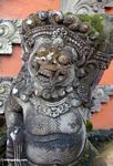 Warrior statue at Puri Saren Agung in Ubud (Ubud, Bali)