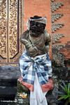 Warrior statue at Puri Saren Agung in Ubud (Ubud, Bali) -- bali7906