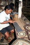 Man carving wood trays at Ketu Kese (Toraja Land (Torajaland), Sulawesi)